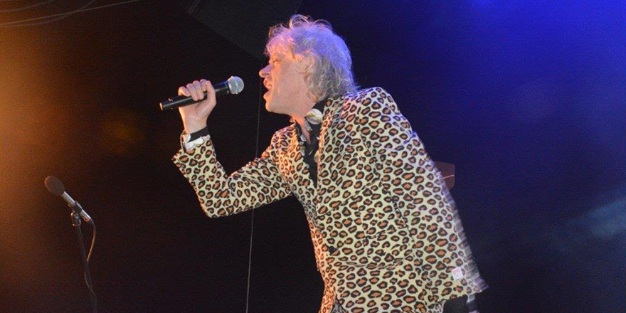 Bob Geldof , Mağusa'yı salladı