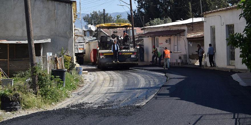 Lefkoşa'da asfaltlandırma çalışmaları devam ediyor