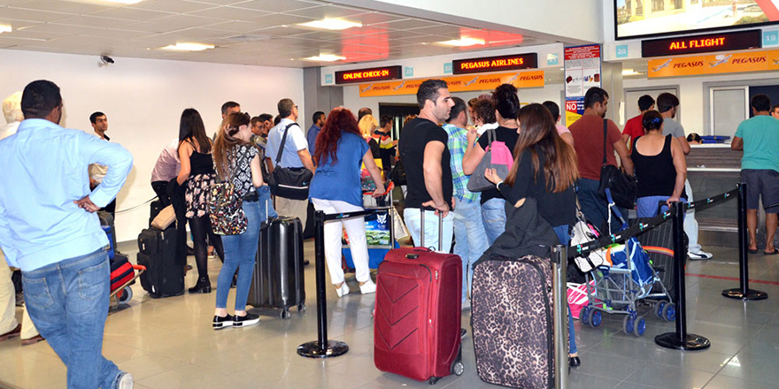 Uçak biletine 122 TL vergi!