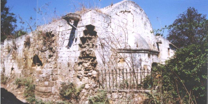 Yıkılma tehlikesi bulunan 2 kiliseye güçlendirme çalışması