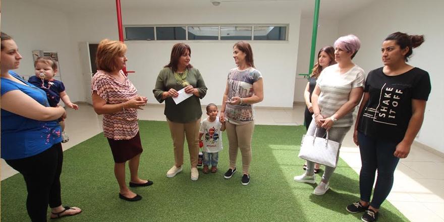 Lefkoşalı kadınlardan çocuklara anlamlı yardım
