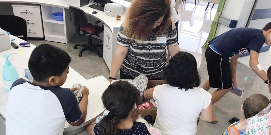 Umut Eğitim ve Kültür Evi, Çocuk Onkoloji Bölümü'nü ziyaret etti.