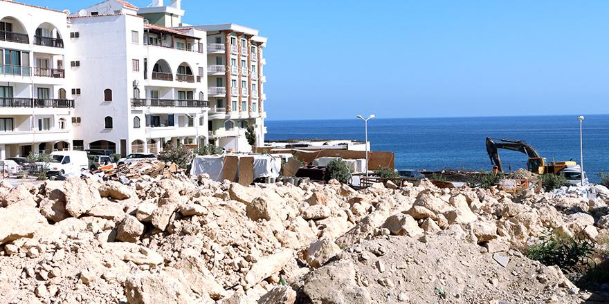 Girne'de 'denize sıfır' tartışma