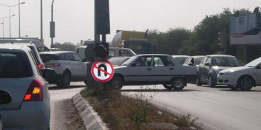 Polis 'Trafik ışıklarındaki hırsızı' araştırıyor