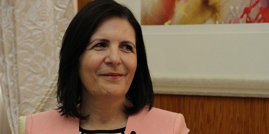 """""""Kıbrıslı Türklere uygulanan engellemeler kalkmalıdır"""""""