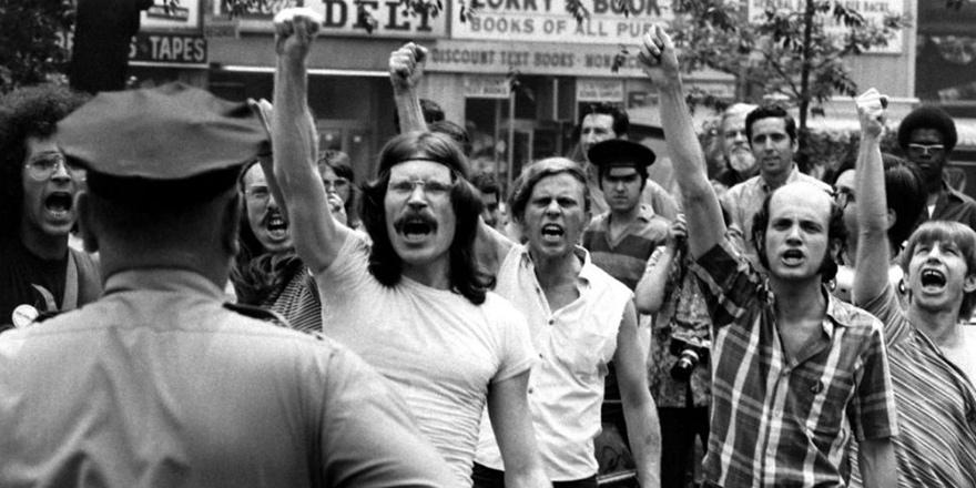 """Stonewall: """"Dünyanın Her Köşesinden Duyulan Silah Sesi"""""""