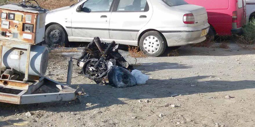 Motosiklet kundaklandı