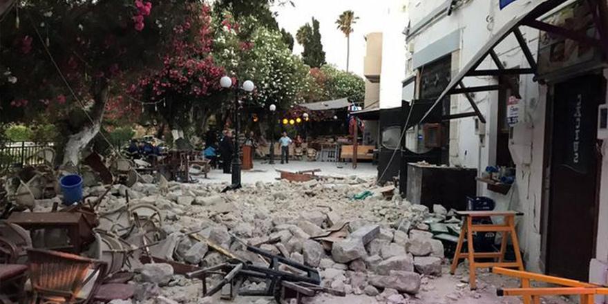 Ege'de 6.3 büyüklüğünde deprem: Ölü ve yaralılar var
