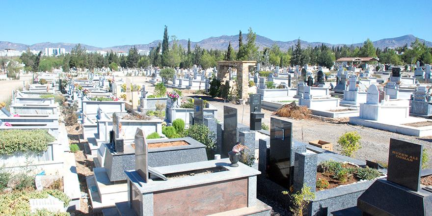 Lefkoşa'da cenaze törenleri sabaha alındı