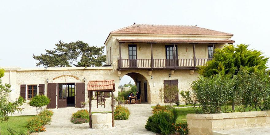 'Karpaz Arch Houses ihalesine' ara emri talebi!