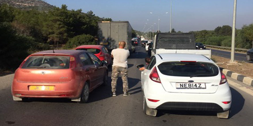 Ciklos'ta trafik kilitlendi