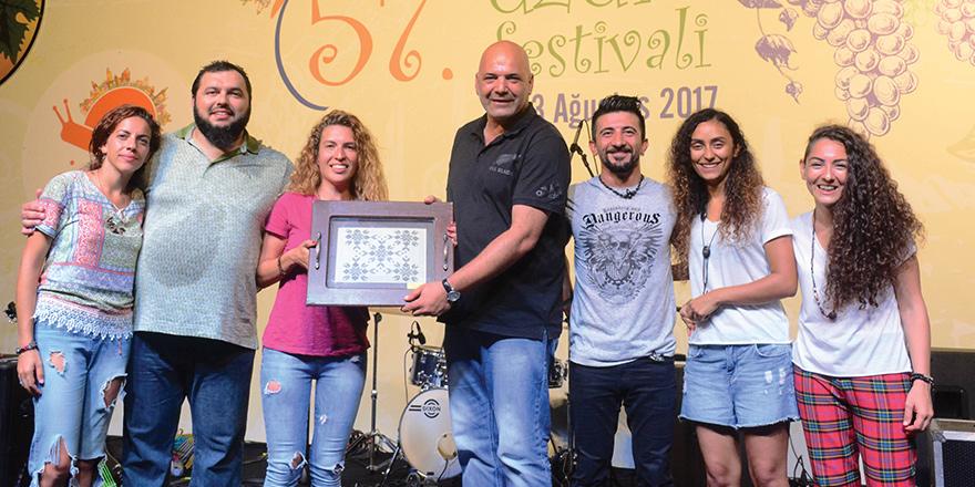 """""""57. Mehmetçik Üzüm Festivali Caravan Blue konseri ile son buldu"""