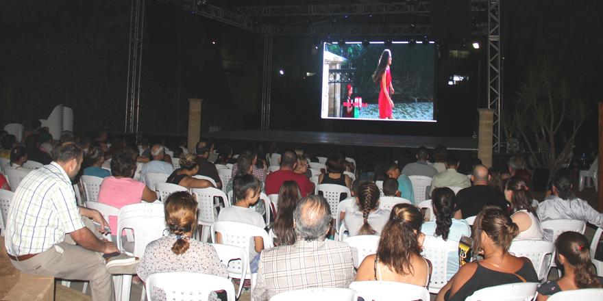 """Halk Dansları Festivali'nde """"Dr. Dilara"""" gösterildi"""