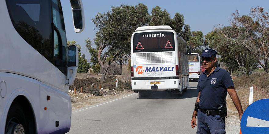 14 otobüs 604 kişi sorunsuz Hala Sultan'da!