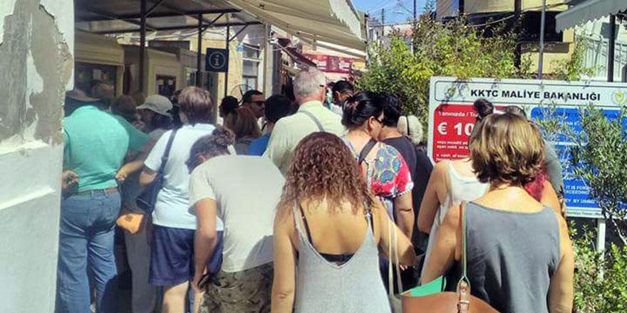 Turistlere 'geçiş' eziyeti