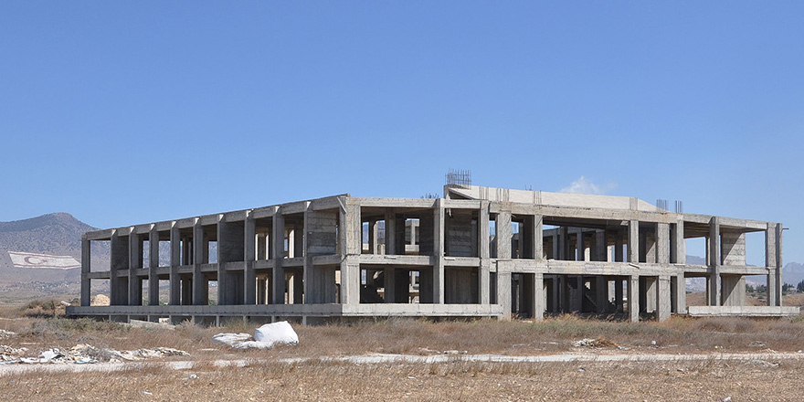 'Karkas halindeki TAK Binası,  Laboratuvar olacak'