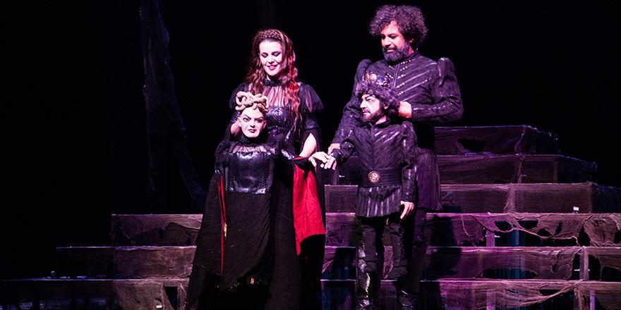 Lefkoşa'dan Macbeth geçti