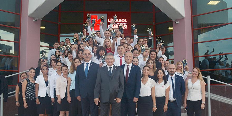 Limasol Bankası ödül geleneğini sürdürdü