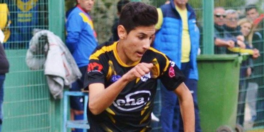 Ali, Galatasaray'a denenmeye gidiyor