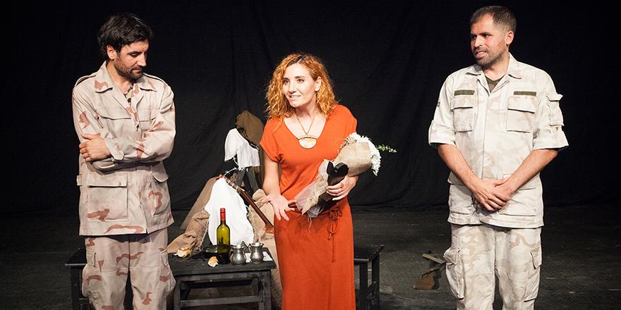 """15. Kıbrıs Tiyatro Festivali'nde """"Sınır"""" oyununu sahnelendi"""