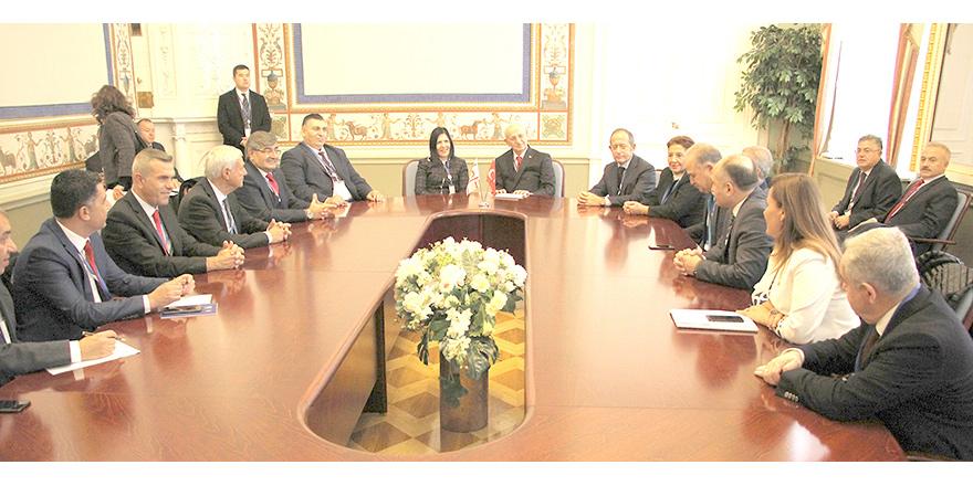 Müzakerelerle ilgili görüş alışverişi yapıldı