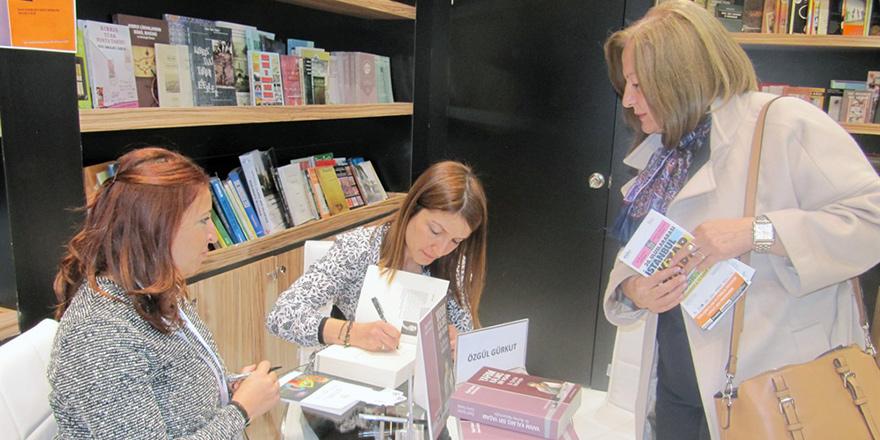 Gazeteciler Gürkut ile Soyalp de kitaplarını imzaladı