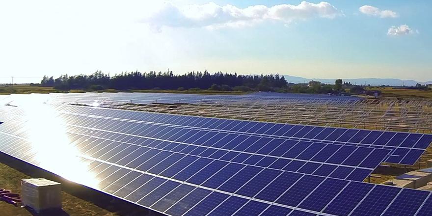 Kıbrıs'ın en büyük güneş parkı üretimde