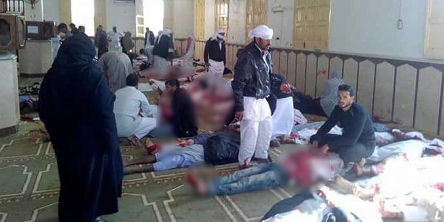 Mısır'da camiye saldırı: 184 ölü!