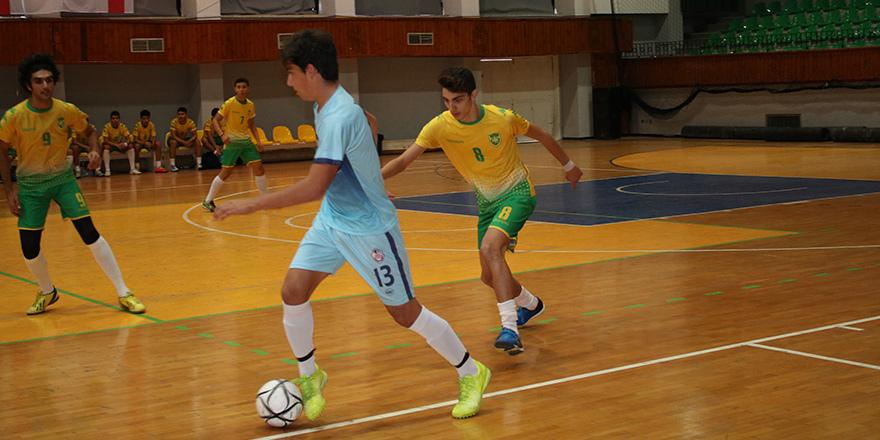 Futsalda mücadele devam ediyor