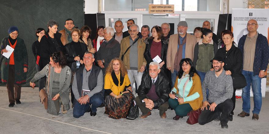 Kıbrıslı şairler:  Adaya barışı, sanat getirecek