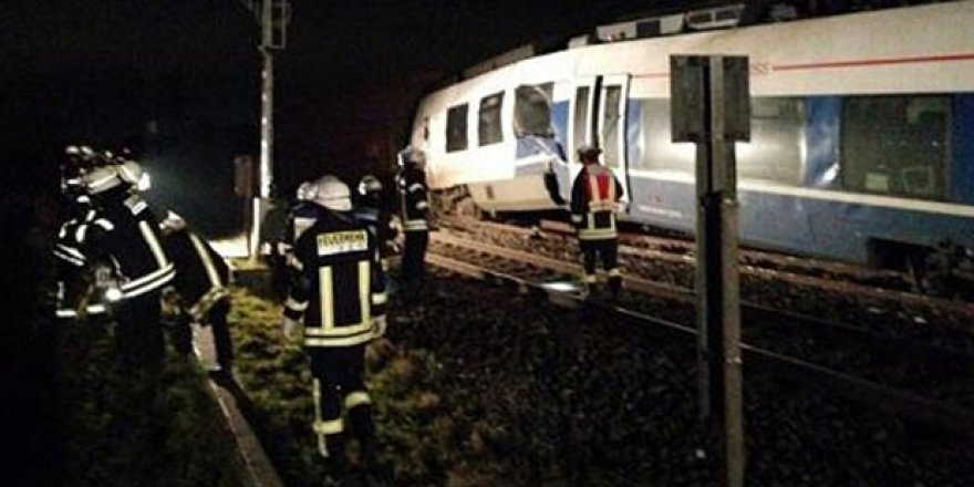Almanya'da tren kazası; çok sayıda yaralı var