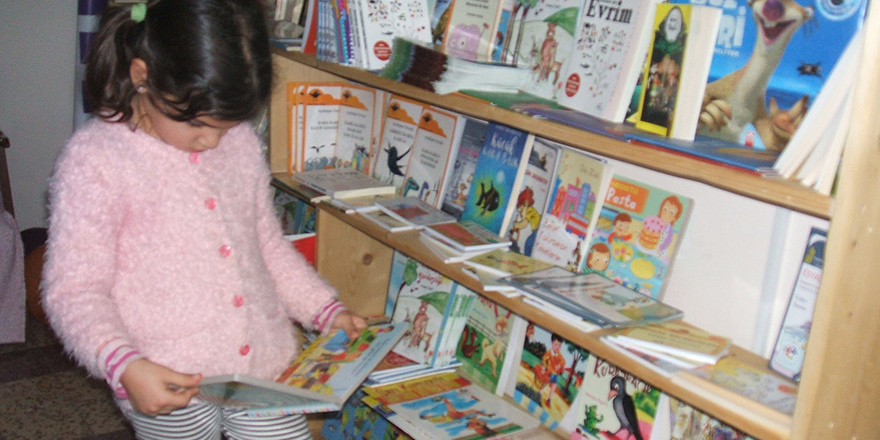 Khora Kitap Omorfo'nun çocuk kitapları bölümü açıldı