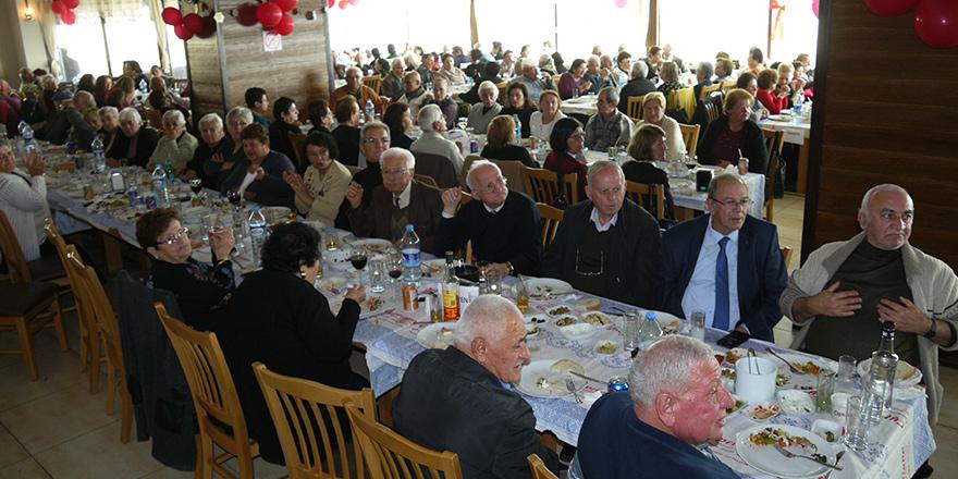 Dikmen Belediyesi'nden yaşlılara geleneksel yılbaşı yemeği