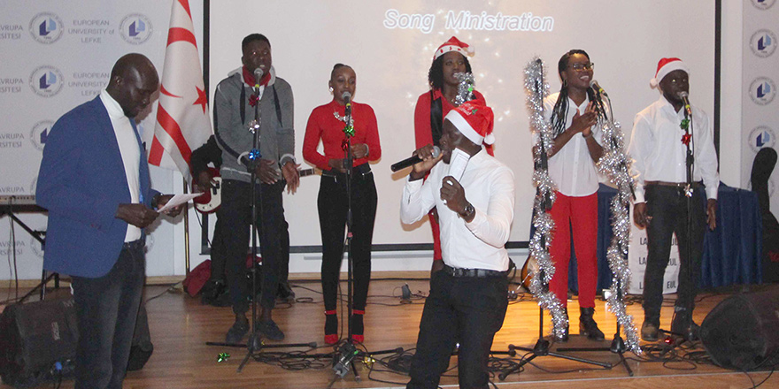 LAÜ öğrencilerinden Noel kutlaması