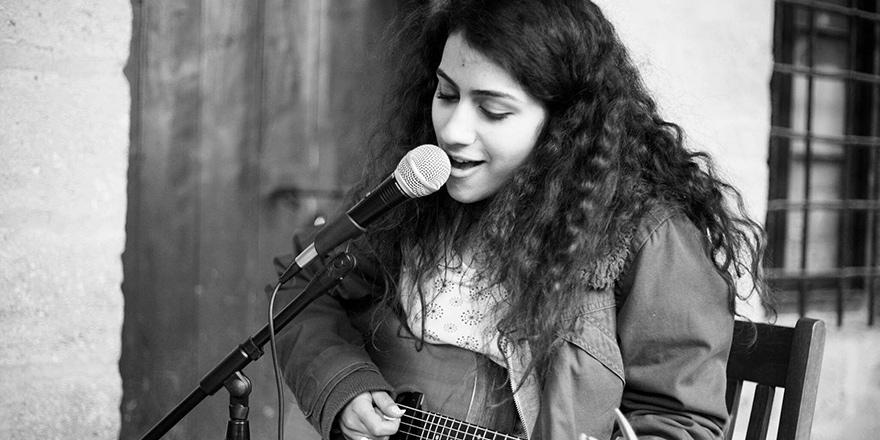 Samin Gökçekuş: Kıbrıs'ta genç bir kadın olmak zor