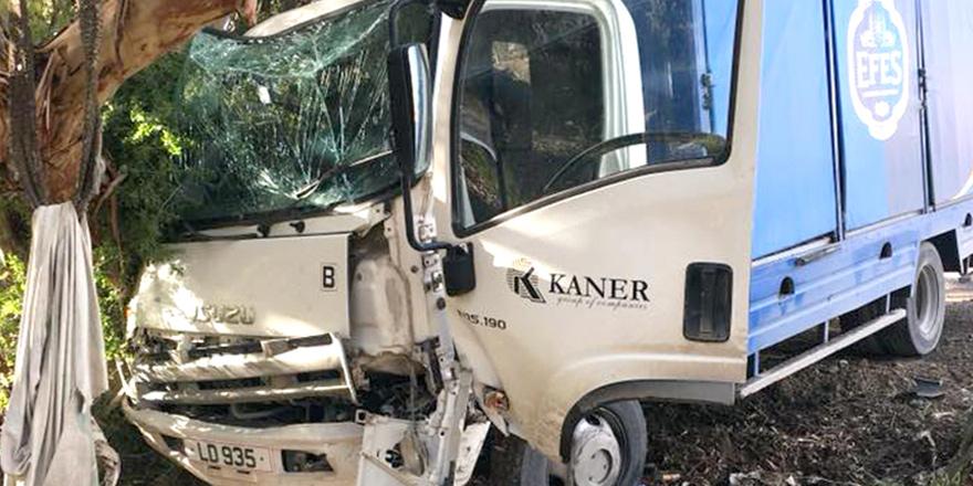 Yola aniden çıktı, kamyonla çarpıştı!