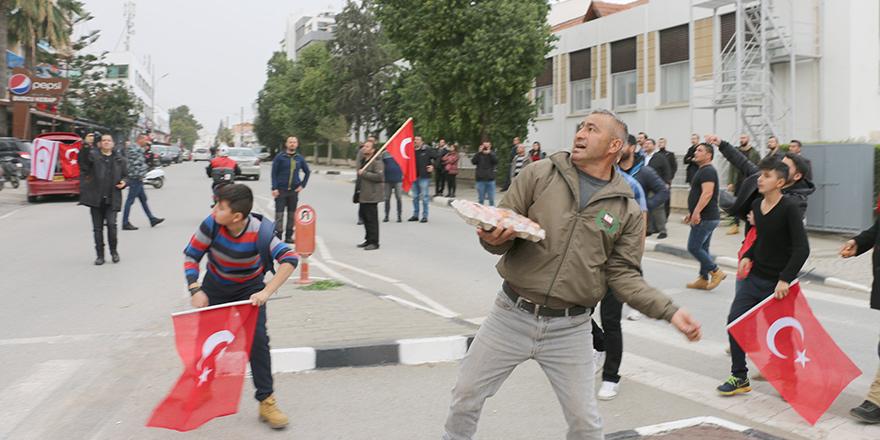 """""""Gazetecilere yapılan taciz ve tehditler ifade özgürlüğünün ihlali anlamı gelir"""""""