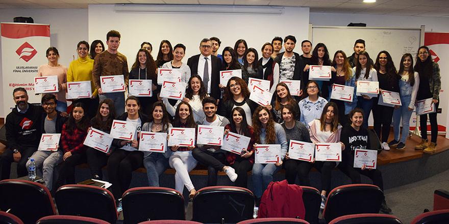 UFÜ'den öğrencilere destek