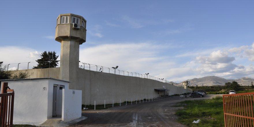 Açlık grevine giren mahkûm sayısı 33 oldu
