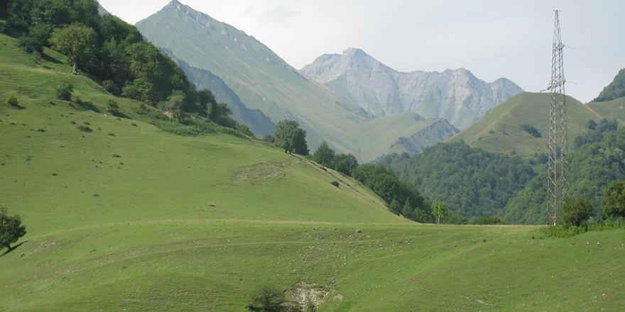 Kafkas Dağları'nın bir köşesi…