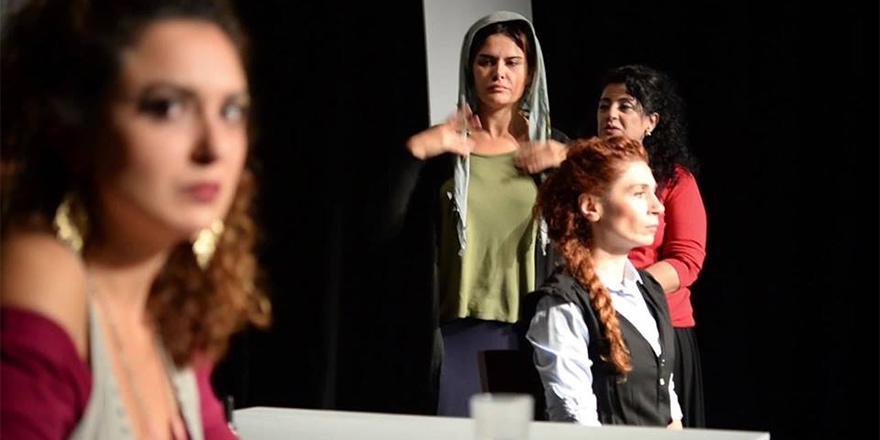 """""""5 kadının hikâyesi: """"Mor"""", sahne alacak"""
