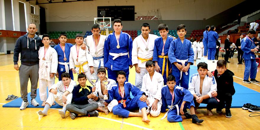 Judoda şampiyonlar belirlendi