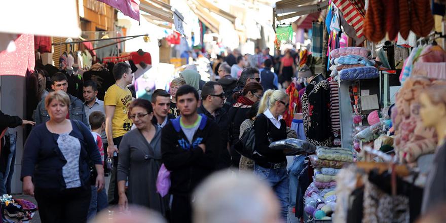 """Kıbrıslı Türkler """"%61 memnun"""""""