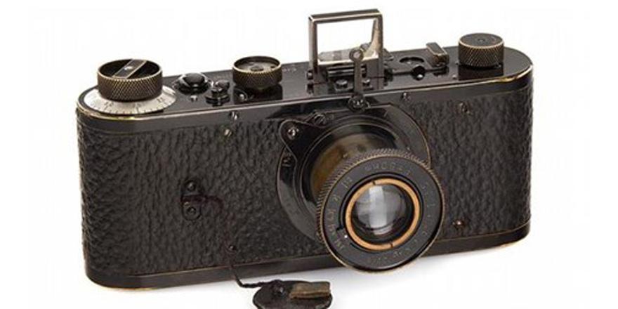 Dünyanın en pahalı fotoğraf makinesi satıldı