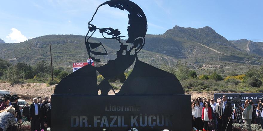 Girne'de, Dr. Fazıl Küçük anıtı törenle açıldı