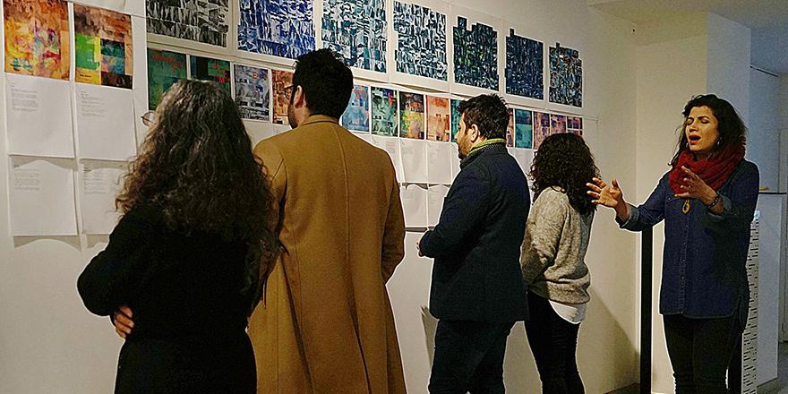 Sümer Erek'ten Brüksel'de 'Okuma Duvarı' performansı