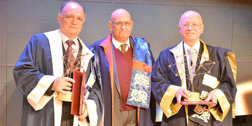 YDÜ 2017 Bilim Ödülleri sahiplerini buldu