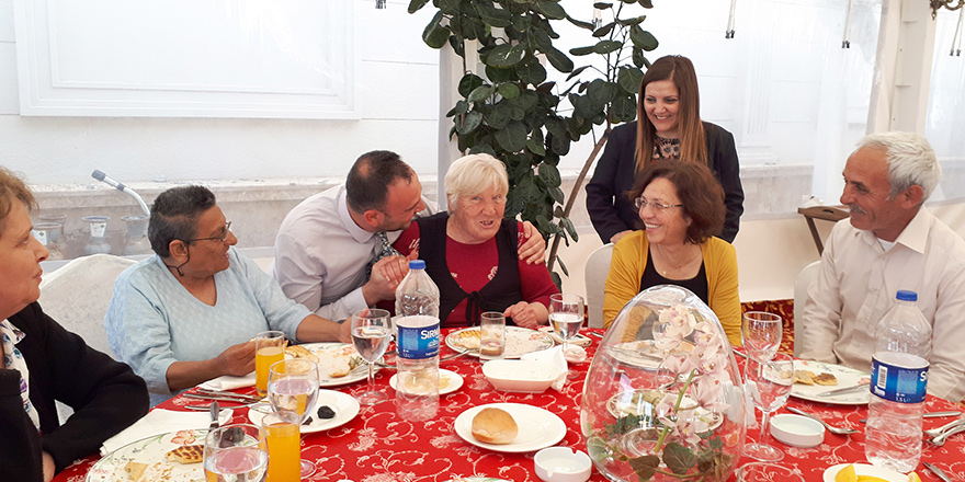 Les Ambassadeurs'dan sosyal sorumluluk örneği
