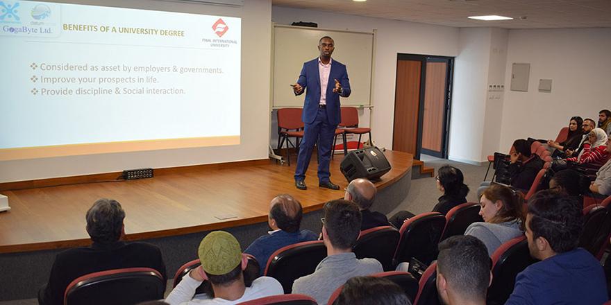 UFÜ'de kariyer semineri