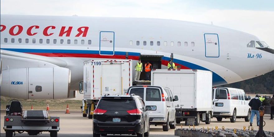Rus diplomatlara sınır dışı